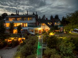 Sooke Harbour House Resort Hotel