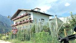 Hotel e Ristorante Kurtinigerhof