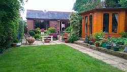The Healing Hut Retreat Kibworth