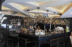 Rizzi Boutique Bar