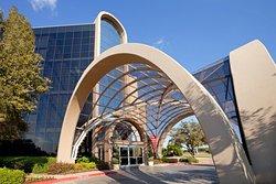 Crowne Plaza Arlington Suites