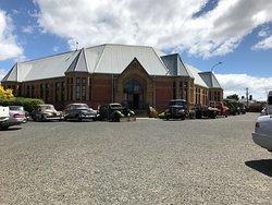 Willow Court Antique Centre