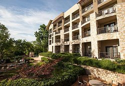 Courtyard New Braunfels River Village