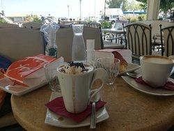 Lotza lounge cafe