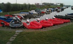 De Merenburger boat and canoe rental