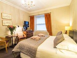 Six Brunton Place Guest House
