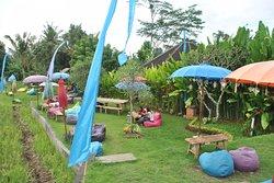 Alam de Ubud, уютный ресторанчик с бассейном