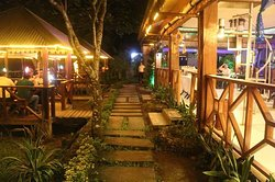 Rawis Resort & Restaurant