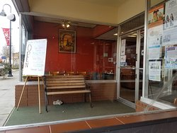 Riverside Cafe & Lounge