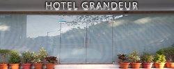 OYO 8490 Hotel Grandeur