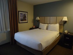 Comfortable stay, near to shopping and restaurants