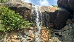 Jalagamparai Falls