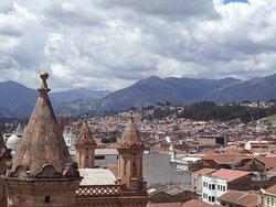 Una hermosa vista de la ciudad desde lo alto de la Catedral Primada. (238163813)
