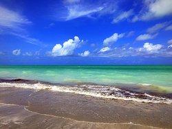 Fortinho Beach (Enseada dos Golfinhos)