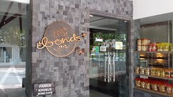 Bond Cafe & Bakery Magelang