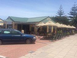 Husky's Restaurant & Bar