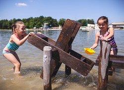 Trixi-Bad (Waldstrandbad mit Wassermatsch-Spielplatz)