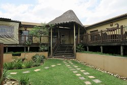 Nice lodge for pre or post accommodation to your safari tour