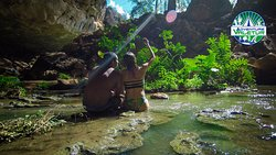 Águas do Rio Pacuí, na Gruta do Sumidouro (interior de Campo Formoso)