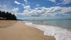 Fräscht med stora rum och fin strand