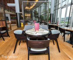 Restaurant at the DoubleTree by Hilton Hotel London ExCel