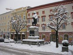 Stelzhamerplatz & Denkmal