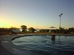 Hermosa vista desde la piscina externa hacia el Río Paraná.