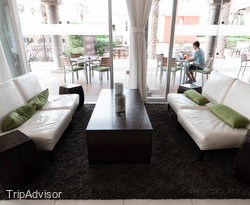 Centro Lounge at the Omni Scottsdale Resort & Spa at Montelucia