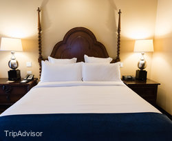 The Standard Queen Room at the Omni Scottsdale Resort & Spa at Montelucia