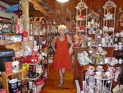 Eumun-Tea Shop owner, Jo Kelso