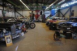 Ломаковскиймузейстаринных автомобилей и мотоциклов