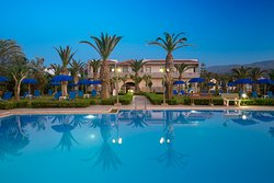 Marinos Beach Hotel Apartments