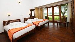 Thidas Arana Lake Hotel