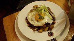 SKY Cafe.Restaurant.Bar