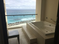 Jacuzzi and the view from Turquoise Tower