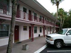 Carriage Inn Motel