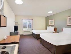 WoodSpring Suites Cincinnati Fairfield