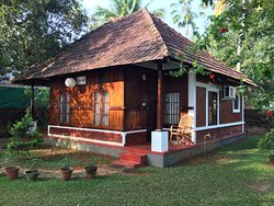 Decent Homestay ashore Vembanad lake