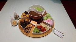Chocolate Steamboat