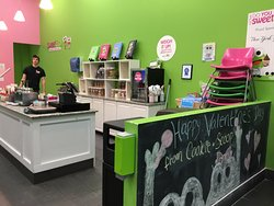 Sweet Frog Cicero - inside the store
