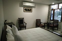 Comfortable Stay.... Never felt away from home.
