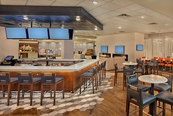 Bridges Restaurant & Lounge