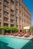 Hampton Inn & Suites Convention Center