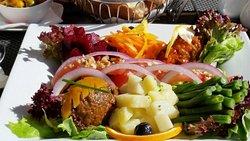 salad starter - amaziningly fresh and well prepared!