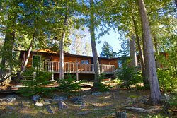 Cedar Island Lodge