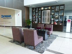 Wyndham Panama Allbrook Mall