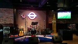 The London Lounge Bar & Restaurant