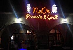 NeOn Pizzeria&Grill