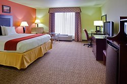 Holiday Inn Express Hotel & Suites Alexandria