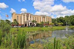 坦帕韋斯利禮拜堂希爾頓恆庭旅館&套房酒店